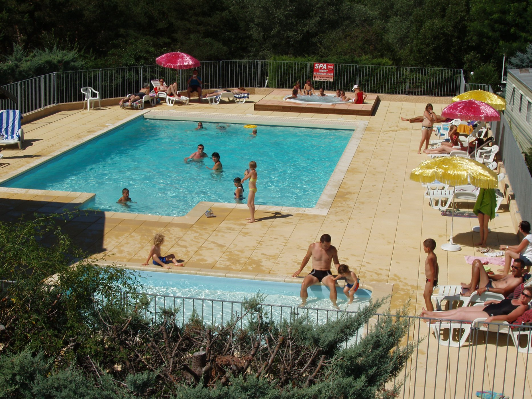 Camping le serre du lac for Camping lac du bourget piscine